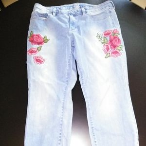 Ana Embroidered Jeans